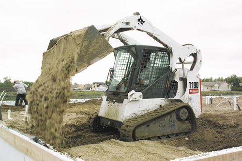 Bobcat T190 Compact Track Loader with bucket - Diamond Tool